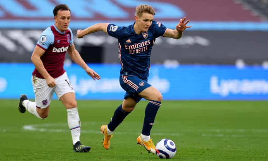 West Ham's Mark Noble tries to catch Arsenal's Martin Ødegaard during the 3-3 draw on Sunday.