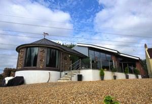fantasy bungalows - Bristol