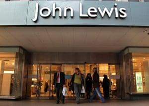 Toko John Lewis di London. Kemitraan tersebut merencanakan tes Covid gratis untuk staf.