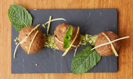 Veal meatballs with pistachio.