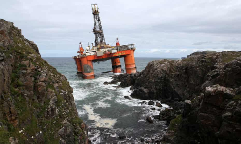 The Transocean Winner drilling rig after it ran aground on the beach of Dalmore on the Isle of Lewis, 9 August 2016.