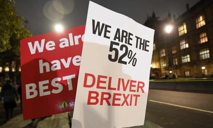 Pro-and anti Brexit placards