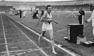 Bruce Tulloh winning barefoot