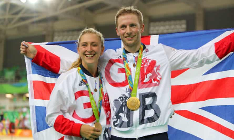 Jason and Laura Kenny pose with their gold medals at the Rio Olympics in 2016.