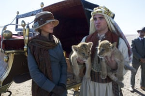 Nicole Kidman as Gertrude Bell and Robert Pattinson as TE Lawrence in Queen of the Desert.