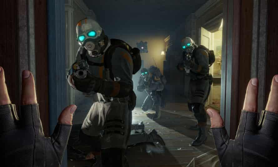 A scintillating new series ... Half-Life: Alyx.