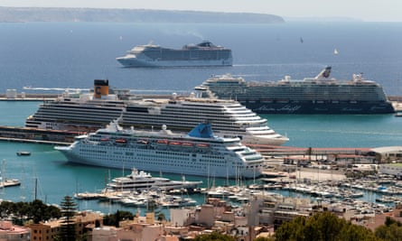 Businessmen mull buying cruise ship to house homeless ...