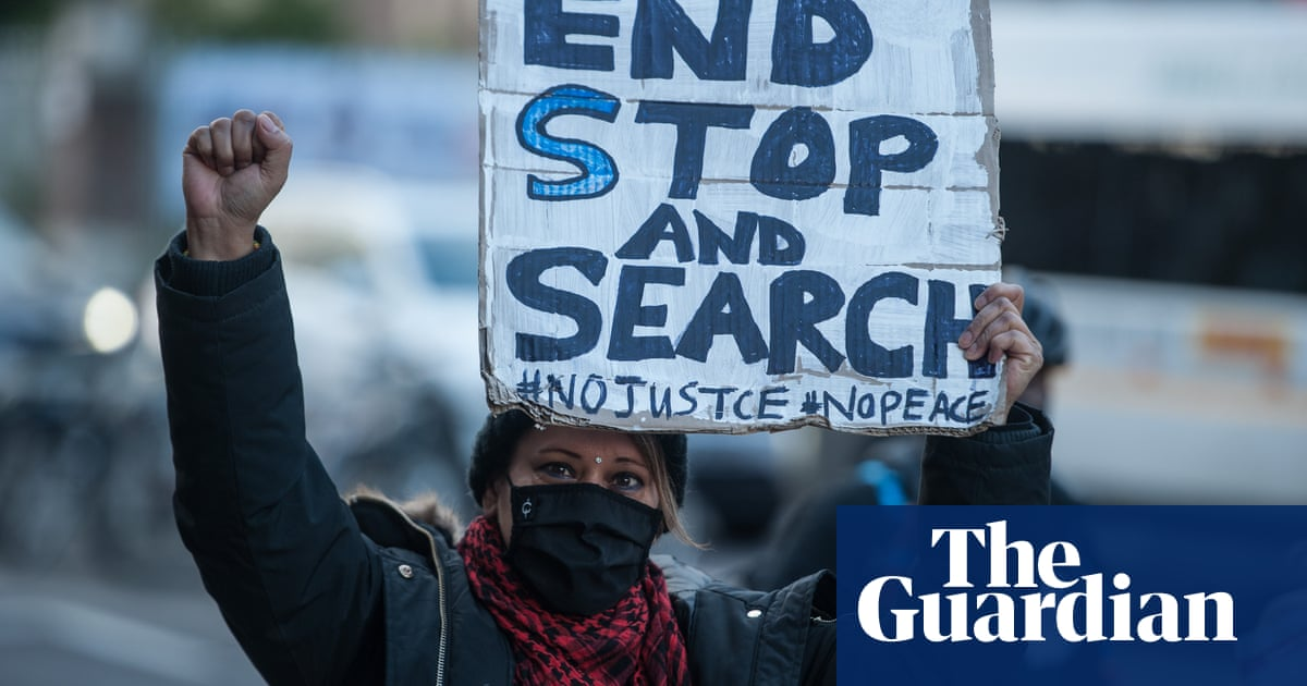 EU report highlights widespread use of 'stop and search' on ethnic minorities