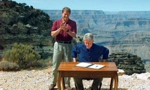Bill Clinton, flanked by Al Gore, designates the Grand Staircase-Escalante National Monument.