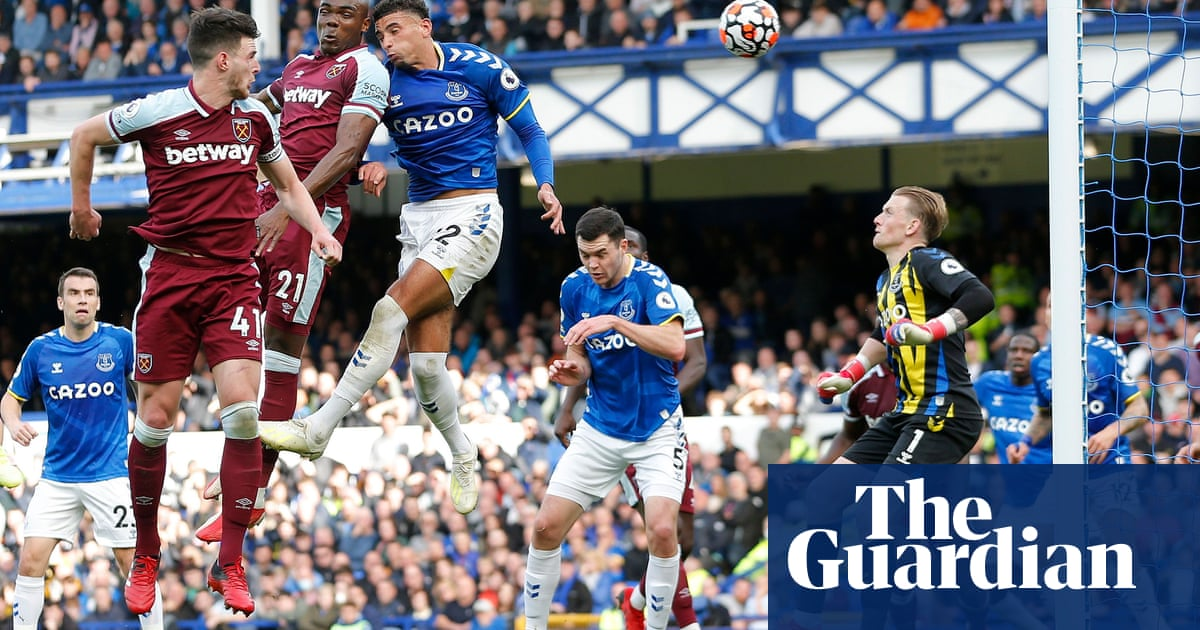 Ogbonna sinks Everton as slick West Ham give Moyes a happy return