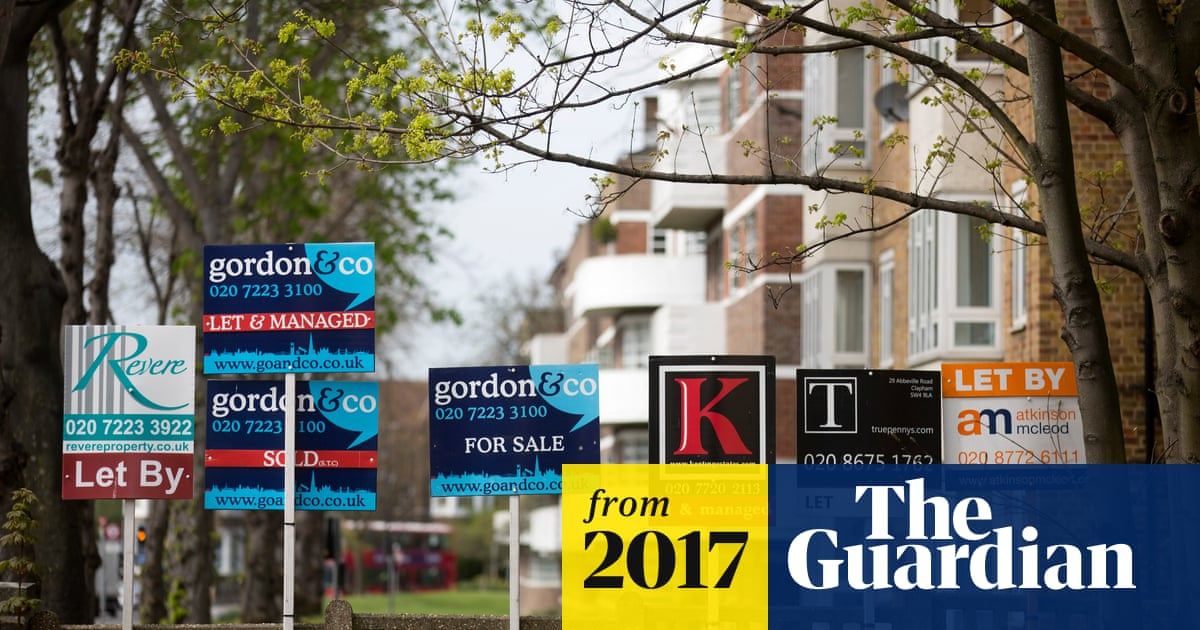 House prices to fall in London and south-east in 2018, say surveyors