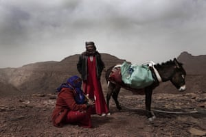 Umm Yasser and Umm Soliman, two of the first Bedouin female guides from the Hamada tribe