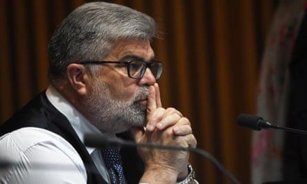 Labor senator Kim Carr at the Senate inquiry into conditions at Nauru on 19 May. i