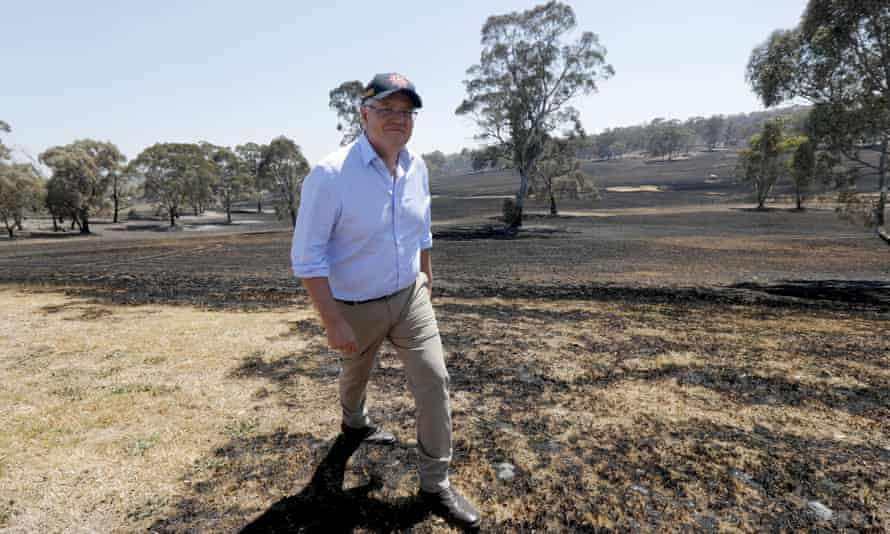 Scott Morrison tours fire-affected areas in South Australia