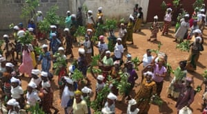 Soweis, or FGM cutters, protest in Kenema