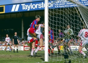 Palace's Alan Pardew heads home and the Eagles are ahead yet again! What a game!