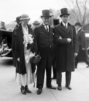 Franklin Delano Roosevelt, with his wife Eleanor Roosevelt at his inauguration in Washington on 4 March 1933.