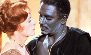 Maggie Smith and Laurence Olivier in Othello (1965).