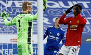 Marcus Rashford of Manchester United missed chance in opening minuets.