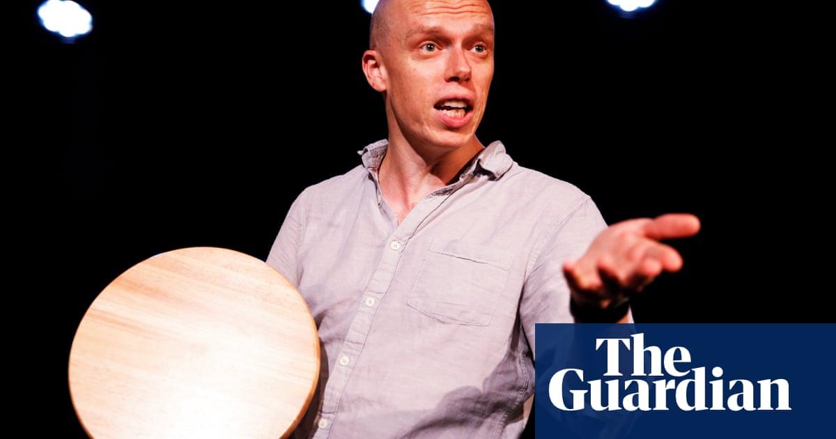 Ex-call centre worker wins top Edinburgh comedy award