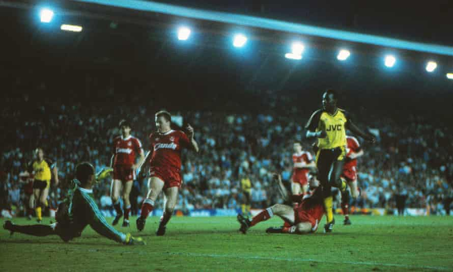 Michael Thomas scoring at Anfield to give Arsenal the league title.