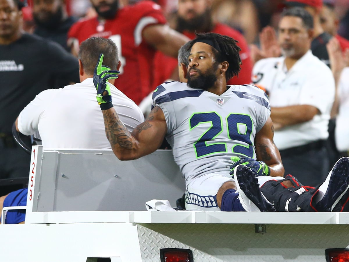 Earl Thomas: no regrets about showing middle finger to coach during game |  Seattle Seahawks | The Guardian