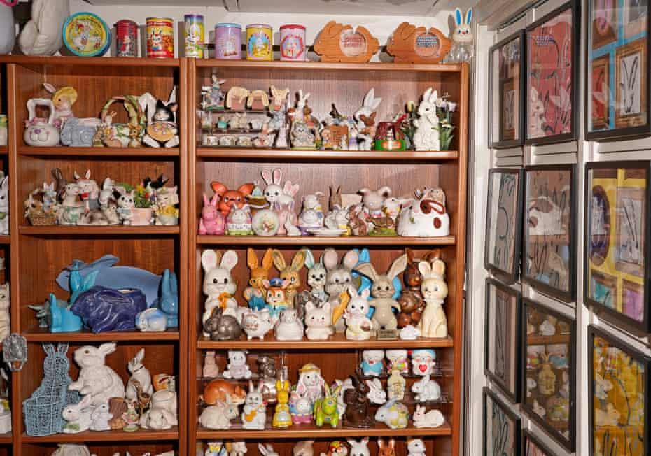 A selection of bunny pots and coin banks.