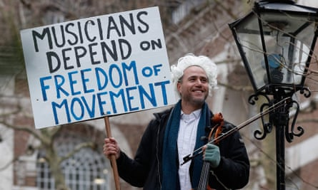 Moving performance ... British-German musician Simon Wallfisch campaigning for free movement for musicians after Brexit.