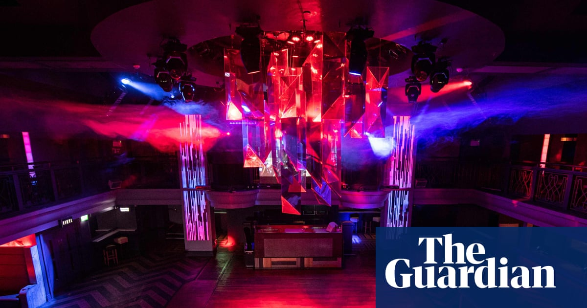 Police investigate reports of spiking by needle at Nottingham clubs