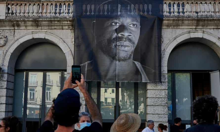 Protest under banner of Bruno Candé
