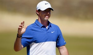 Rory McIlroy acknowledges the Chambers Bay crowd after the 14th