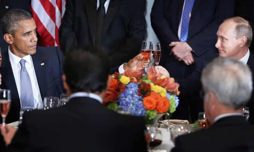 Obama and Putin toast during a luncheon hosted by United Nations secretary-general Ban Ki-moon.