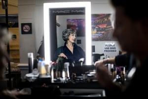 Maureen Lipman in makeup before presenting an award