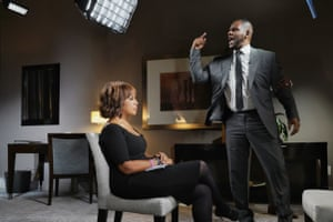 Gayle King sat down with R&B singer R Kelly Tuesday in Chicago for his first television interview since he was arrested on 10 sexual abuse charges.