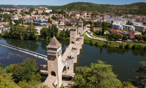 Bridge of sighs: the famous crossing of the Lot at Cahors, in the heart of the French wine-growing region. But bottles from the Languedoc-Roussillon don't always contain what you expect…