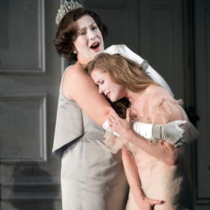 Sarah Connolly as Gertrude and and Barbara Hannigan as Ophelia in Brett Dean's Hamlet.