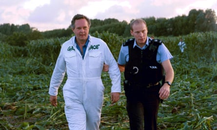 Peter Melchett being arrested during the Greenpeace anti-GM demonstration in Norfolk, 1999.