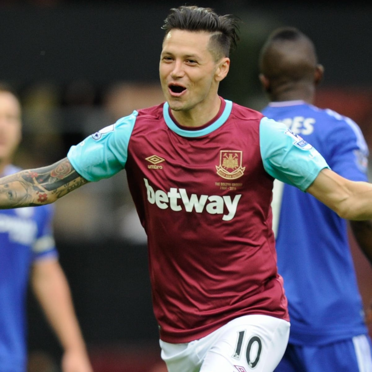Mauro Zárate completes move to Fiorentina from West Ham for £1.6m   . . . <a href=