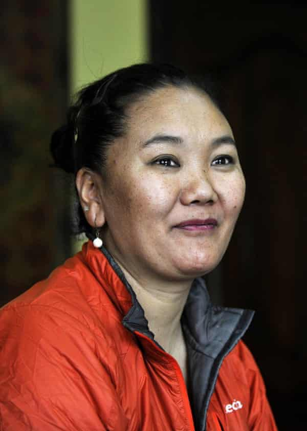 Lakpa Sherpa in 2006, when she broke her own world record for the most Everest summits by a woman at the time.