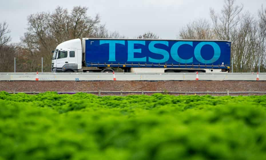 A Tesco lorry on the M4