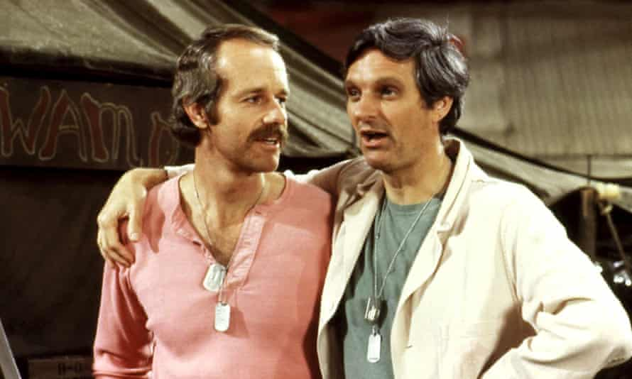 Alan Alda with Mike Farrell