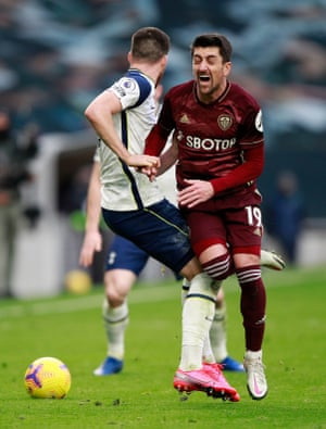 Matt Doherty of Tottenham Hotspur fouls Pablo Hernandez of Leeds United leading to a red card.