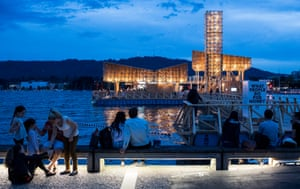 Tom Emerson's Pavillon of Reflections floats on its pontoon in Lake Zurich.