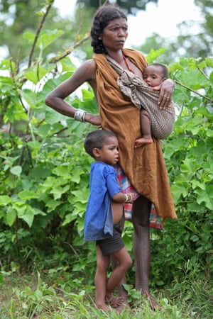 A Baiga mother with her children
