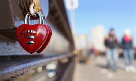 Heart padlocks