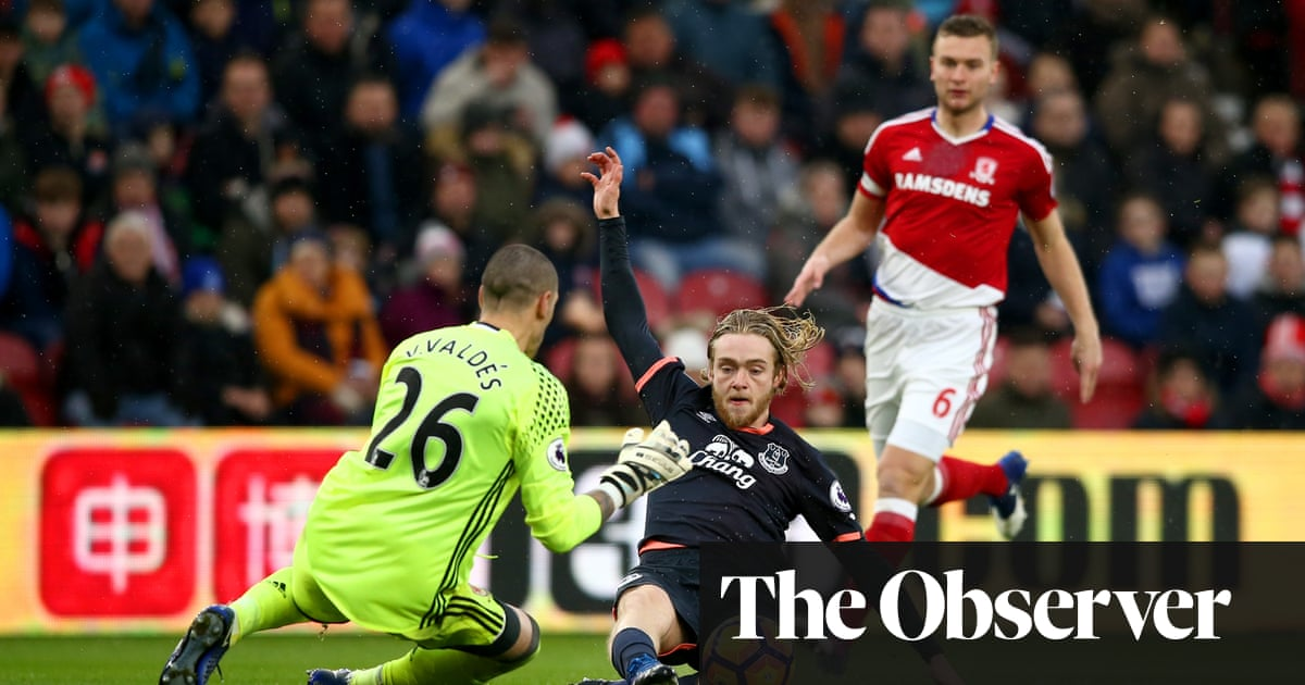 e7056681f Victor Valdés proves Middlesbrough s best performer in Everton draw ...