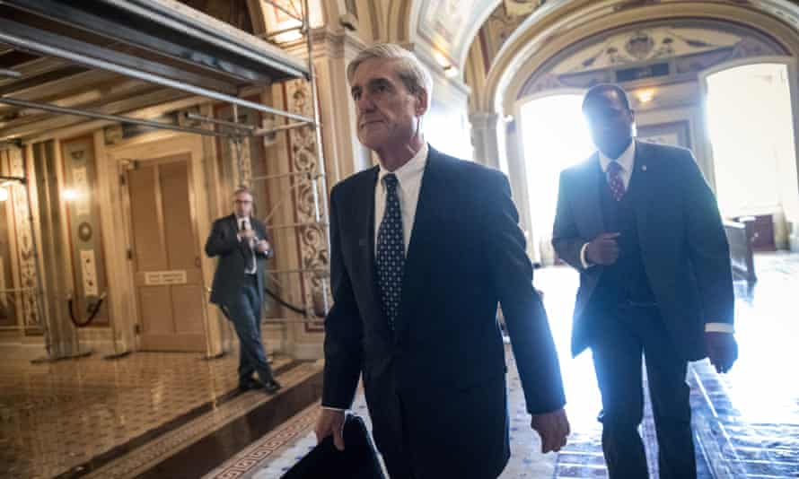 Robert Mueller leaving a meeting about Russian meddling in the election, Washington, June 2017.