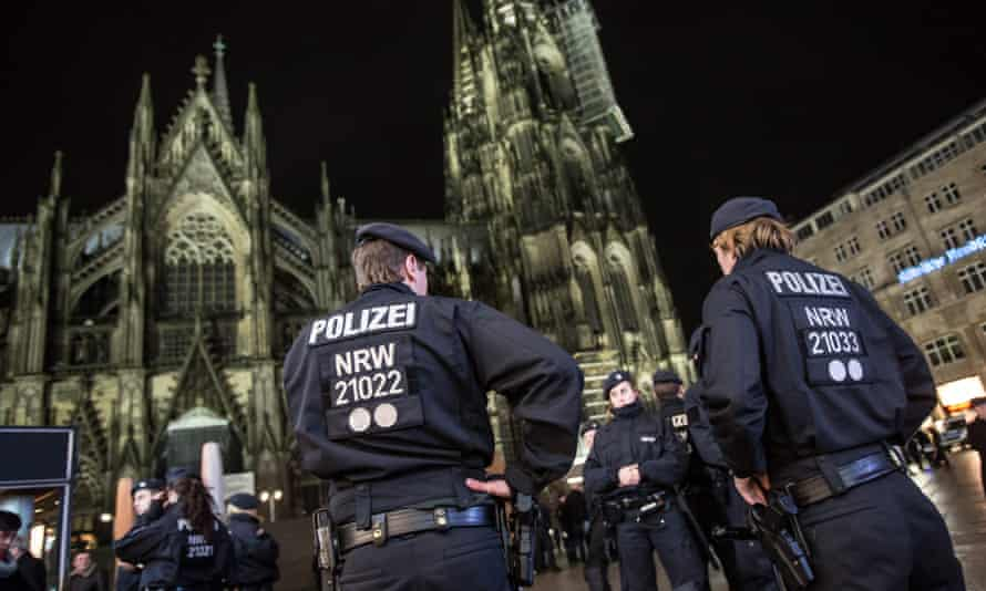Police at Cologne cathedral