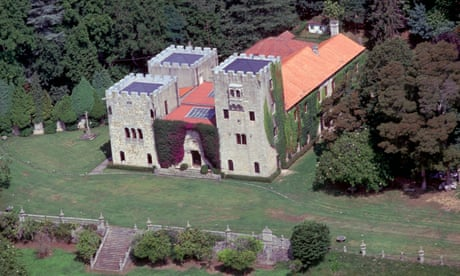 Spanish government claims disputed palace from Franco family