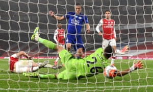 Leicester City's Jamie Vardy scores his sides equalising goal.